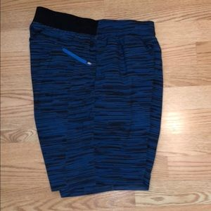 Lululemon 9 inch The Short with liner.